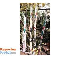 Na prodaju skije