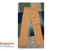 Na prodaju Pantalone farmerke