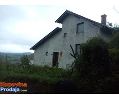 Gradjevinski plac sa kućom, Mladenovac