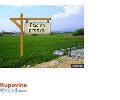 U Arandjelovcu prodajem gradjevinski plac
