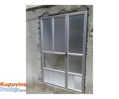 prodajem polovni prozori i vrata u dobrom stanju sve informacije na br  063/83/88/178