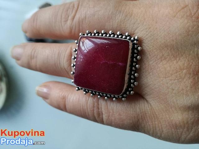 prsten je boje RUBY