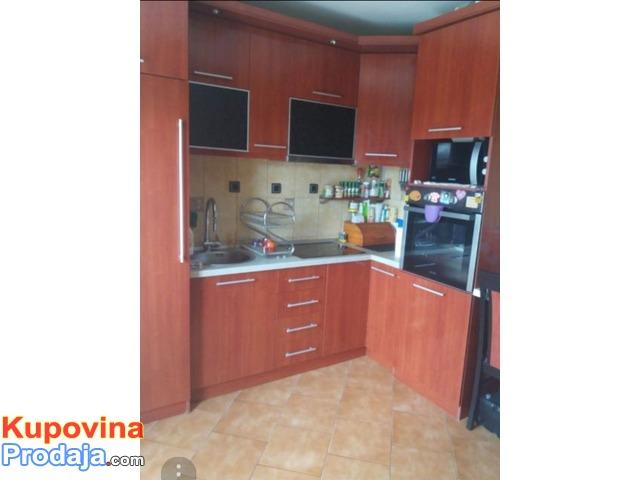 Prodajem – menjam dva stana u Beogradu