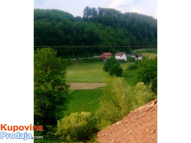 KUĆA na selu sa njivom, šumom, šljivikom