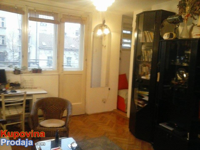 Prodajem stan u Bulevaru Kralja Aleksandra
