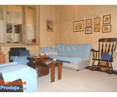 Prodajem stan u najstrozem centru Kragujevca