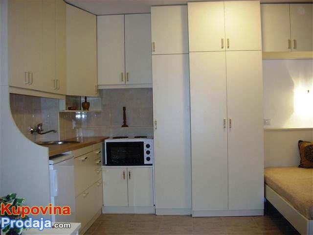 Rezervisite odmor u apartmanu u VINCIMA, NA DUNAVU, U BOROVOJ SUMI, na vreme