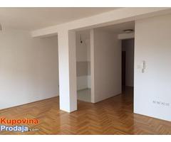 Na prodaju stan - Pozarevac