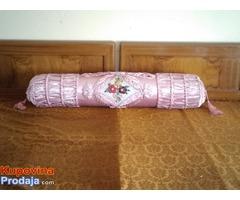 Dekorativni jastuk za krevete