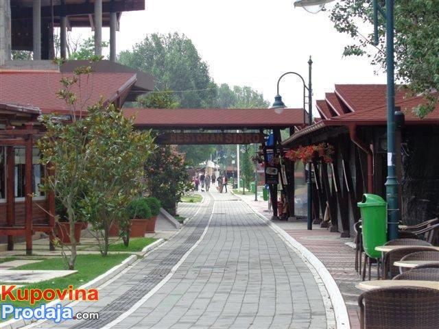 AKCIJA – Odmor u Vincima na Dunavu  Već od 450. din u borovoj šumi od 12.MAJA 2019.