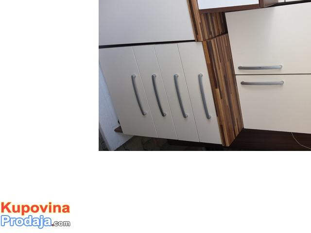 Kuhinjski elementi i aspirator
