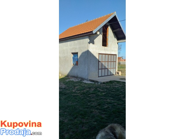 Kuća u Bečmenu, opština Surčin