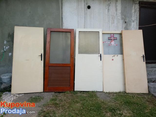 Sobna vrata.