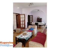 Prodajem kucu u centru Leskovca