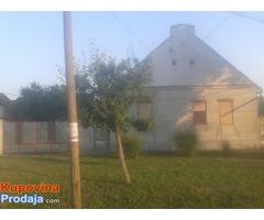 Kuća u Bačkom Gradištu 100 m2 900m2 plac