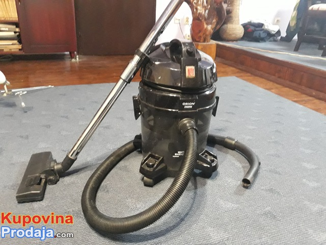 Usisivač na vodu Orion 2500w
