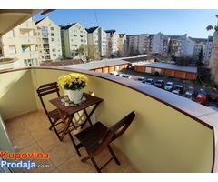 Prodajem trosoban stan u Novom Sadu