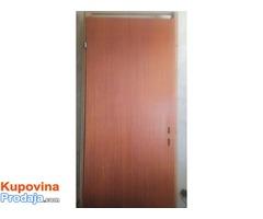 Prodajem sobna vrata