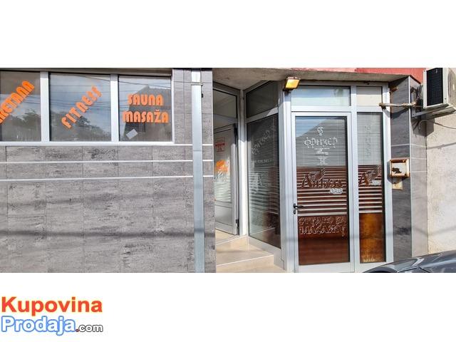Prodajem poslovni prostor u centru Kraljeva 212m2 +20m2