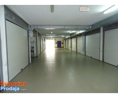 Vlasnik prodaje Stan + garazu; NS - Fotografija 10/10