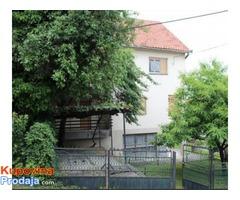 Prodajem porodicnu kucu u Kragujevcu - Fotografija 3/4