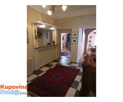 Salonac u mirnoj ulici na Vračaru, 124 m2 izdajem